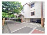 Dijual Town House di Ragunan dengan kondisi Semi Furnished dan Private Pool By Sava Jakarta Properti HSE-A0400